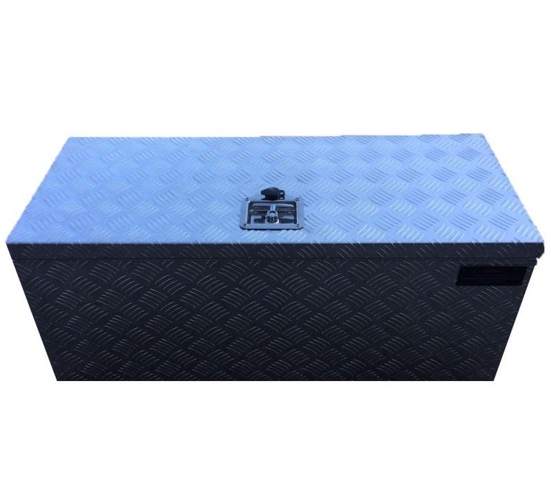 coffre rectangulaire en aluminium stri avec ouverture dessus 960x400x400. Black Bedroom Furniture Sets. Home Design Ideas