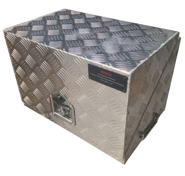 coffre en aluminium pour treuil lectrique et batterie. Black Bedroom Furniture Sets. Home Design Ideas